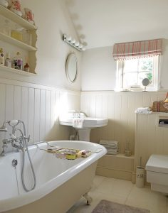 jess-weeks-interiors%interior-design%marlboroughstable_cottage_14-236x300stable_cottage_14