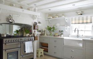 jess-weeks-interiors%interior-design%marlboroughstable_cottage_2-300x191stable_cottage_2